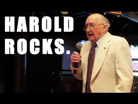 HAROLD SINGS!