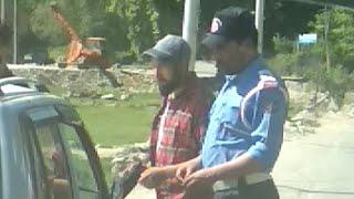 Kashmir Traffic police caught