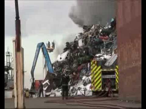 Firefighters tackle major blaze