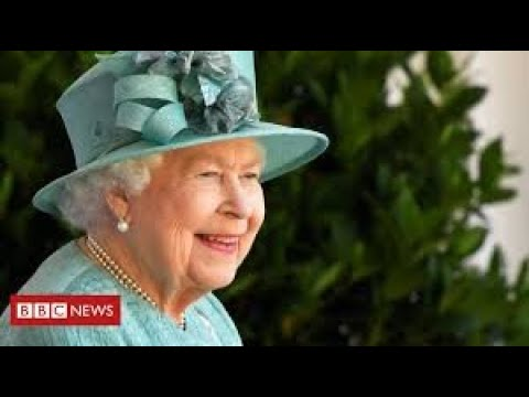 The Queen marks official birthday in lockdown with scaled-down ceremony at Windsor thumbnail