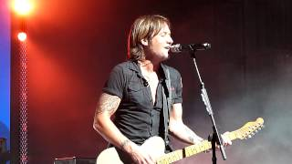 Keith Urban - Even the stars fall for you Cincinnati Ohio Light the Fuse