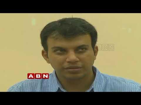 Khammam Municipal Corporation Commissioner Sandeep Kumar warns Corporators | Inside
