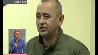видео У Івано-Франківську на хабарі 1 500 доларів спіймали чотирьох поліцейських