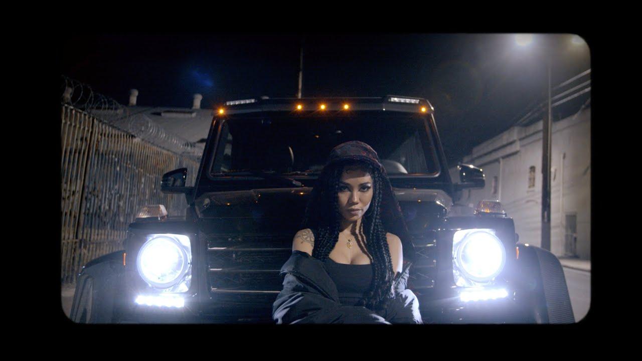 Jhené Aiko saca su lado más callejero con Ab-Soul en 'One Way St.'