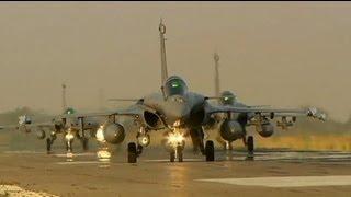 Francia ataca la retaguardia islamista en Mali tras detener su avance