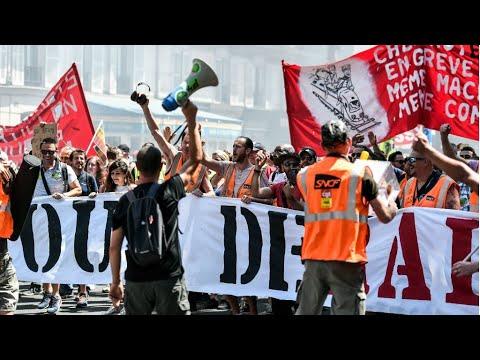النقابات تستأنف حركة الاحتجاج ضد سياسة الرئيس إيمانويل ماكرون  - 14:55-2018 / 10 / 9