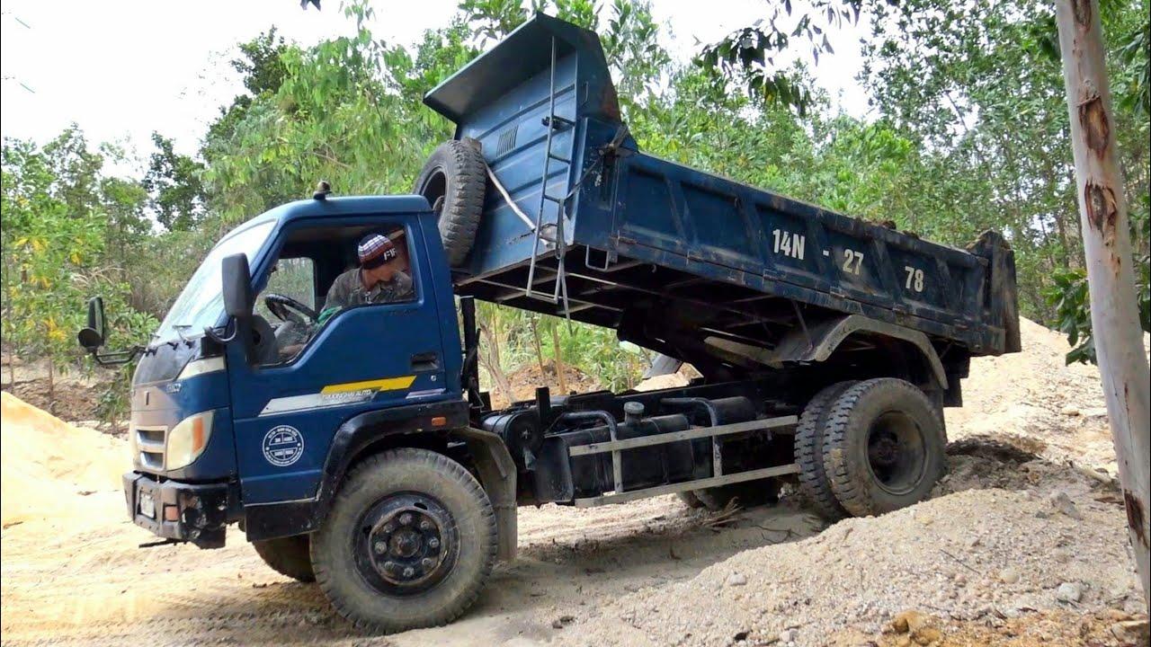 Máy Xúc Doosan DX55w Làm Việc, Xe Ô Tô Tải Ben Chở Và Đổ Đất | Excavator Dump Truck | TienTube TV