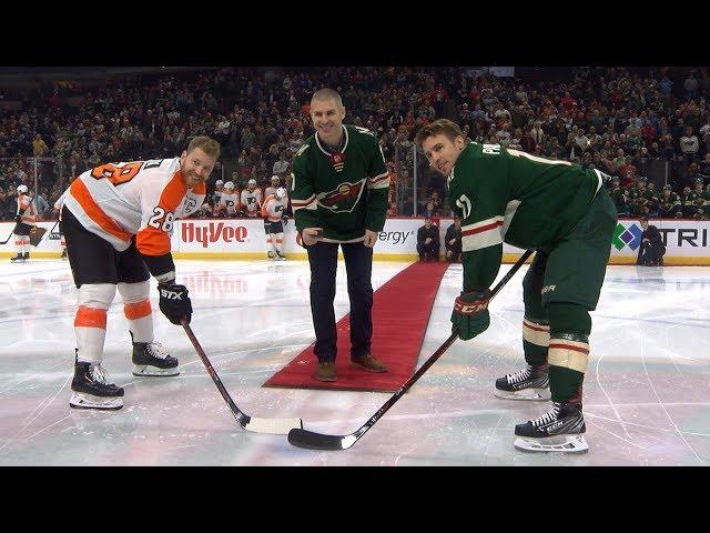 Wild honor Joe Mauer with ceremonial puck drop, special warmup jerseys