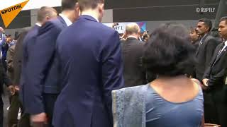 Poutine participe à la séance photo commune au sommet de l'ASEAN à Singapour