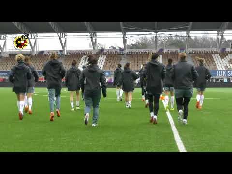 La selección española femenina entrena en el Helsinki Football Stadium antes de medirse a Finlandia