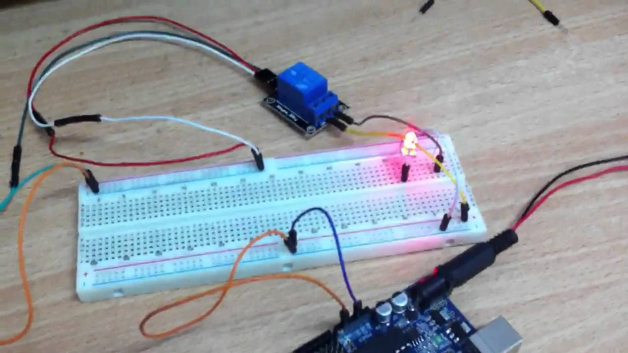 Secret Arduino Voltmeter – Measure Battery Voltage