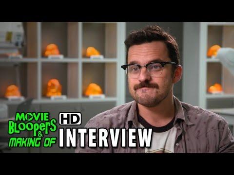 Jurassic World (2015) Behind the Scenes Movie Interview - Jake Johnson 'Lowery'