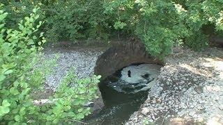 Une rivière avalée par un trou en Normandie