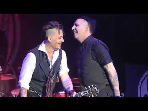 "Hollywood Vampires featuring Marilyn Manson "" I'm Eighteen"" 7/14/2016 Rock Fest"
