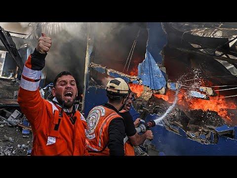 شاهد: رجال إطفاء فلسطينيون يحاولون إخماد حريق هائل في مصنع للإسفنج شرقي جباليا…  - نشر قبل 2 ساعة