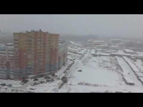 Прыжок с балкона на парашюте