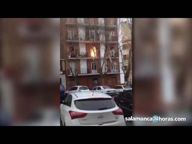 Primeros momentos tras la explosión en el Barrio Vidal de Salamanca