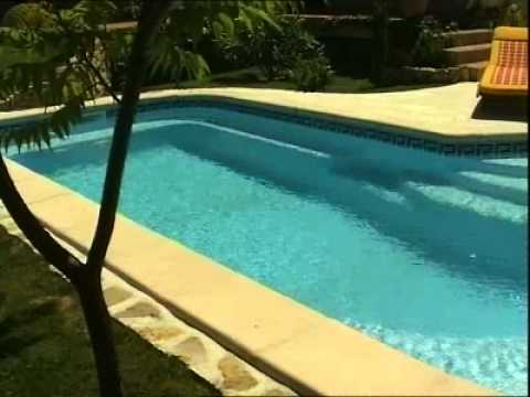 Piscine provence polyester s630 youtube for Provence piscine polyester