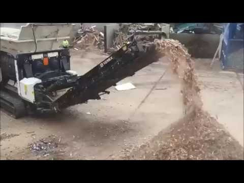 TDS V20 Medium Speed Shredder Processing Waste Wood