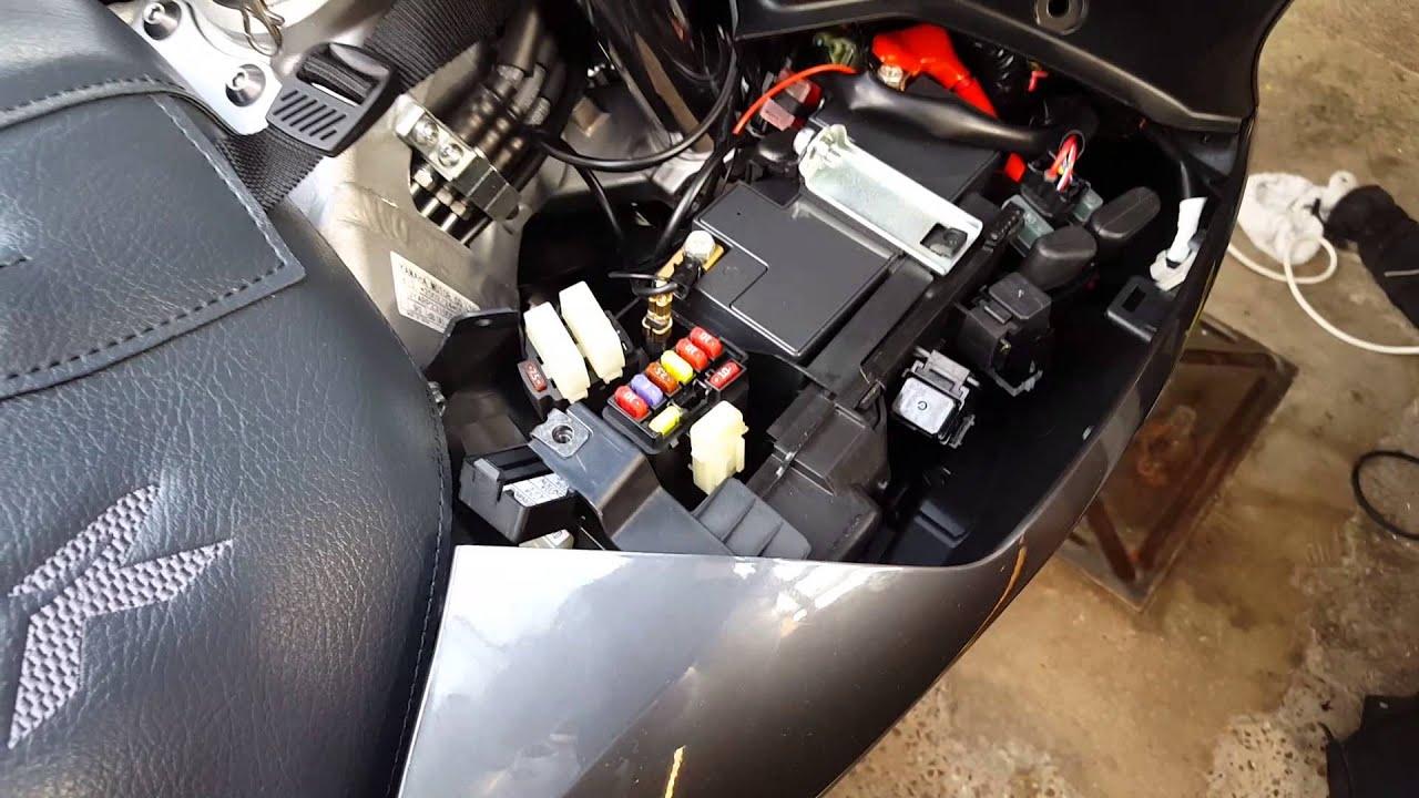 medium resolution of yamaha fjr1300 2015 battery and fuse location youtube