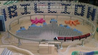 8,000 Dominoes - Disney Motion (1,000,000,000 Views)