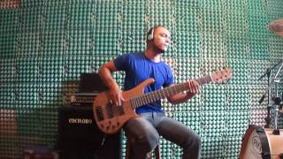 Angra - Running Alone (Bass Cover)