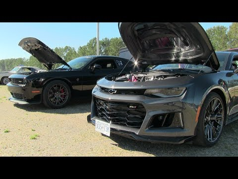 New 2017 ZL1 vs Hellcat -1/4 mile drag race