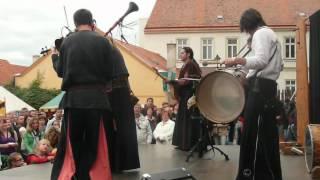 Znojemské vinobraní- skupina Gnomus
