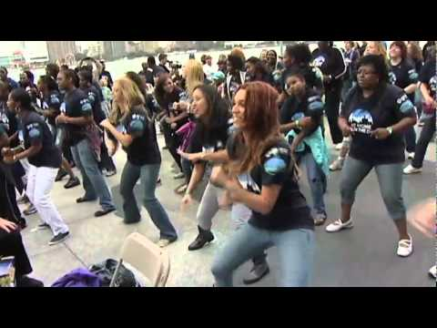 Michigan Blue Cross Flash Mob at Detroit River Days