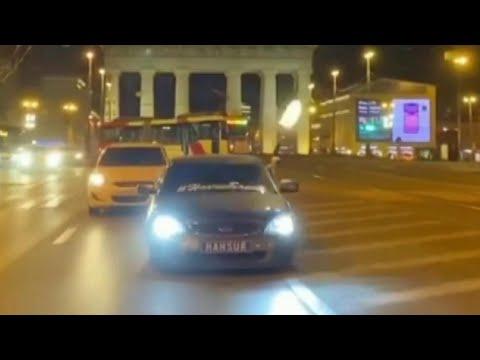 В Санкт-Петербурге водитель устроил стрельбу из окна автомобиля.