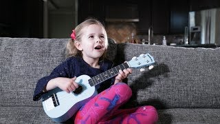 twinkle twinkle little star 5 year old claires first song on ukulele