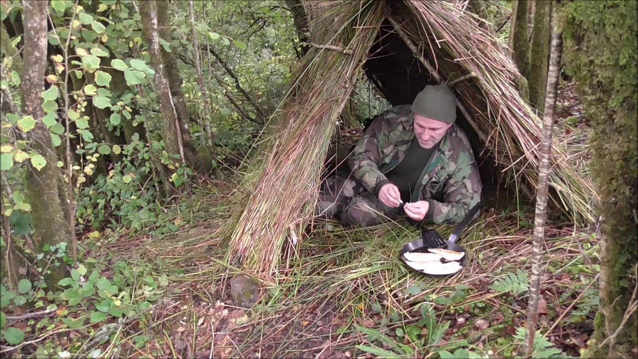 Boker tree brand trapper folding knife  Field test  Thatched survival  shelter build