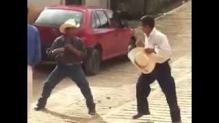 Repeat youtube video La pelea más violenta de la historia.