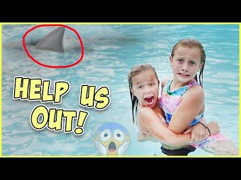 GET OUT! THERE'S A SHARK IN THE POOL! JESSE GIVES RORY DANGEROUS SWIM LESSONS!