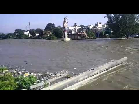 Gudiyatham River