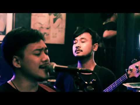 Aku Milikmu - Dewa 19 (cover Live By PLAY 7)