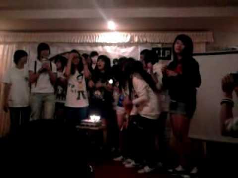 [Hands Up pt] V.I.Ps singing happy birthday GD~