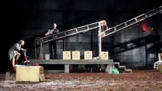 DAS MÄDCHEN AUS DER STREICHHOLZFABRIK von Kaurismäki, Regie: Bösch / Schauspielhaus Bochum (Trailer)