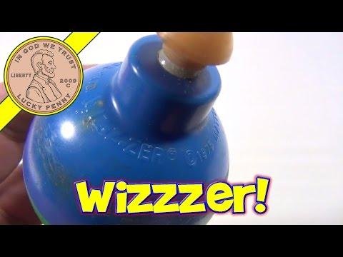 1975 Wiz-z-zer Blue and Green Top Mattel -Wizzzer Spinning Fun!
