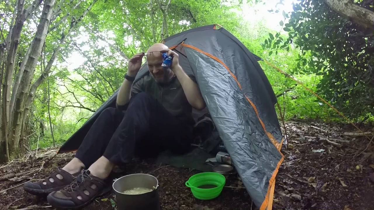 Quechua Zelt Ultralight Pro : Quechua t ultralight pro osprey rain cover and a can