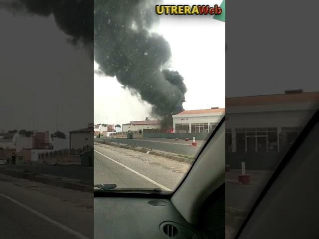 Incendio de neumáticos causa alarma