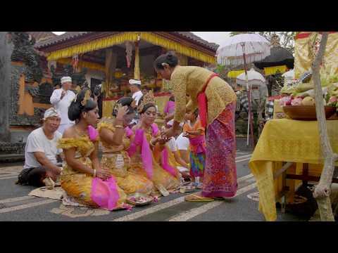 Balinese Hinduism (4K) 2016
