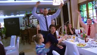 Невеста Светлана поёт рэп жениху Сергею .