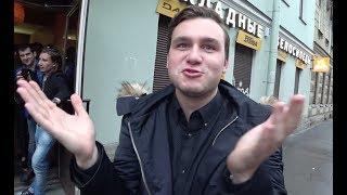 Разыграли Соболева с Чебурашами. Обклеили его Мазду скотчем.