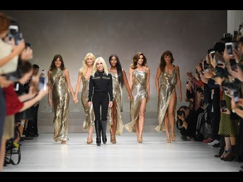VERSACE - Spring/Summer 2018 - Milan Fashion Week Finale
