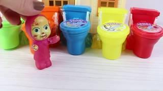 Masha Küçük Kardeşi İle Beraber Oyuncak Klozet Şekerler Açıyor