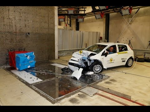 fiat punto 2017 crash test euro ncap youtube. Black Bedroom Furniture Sets. Home Design Ideas