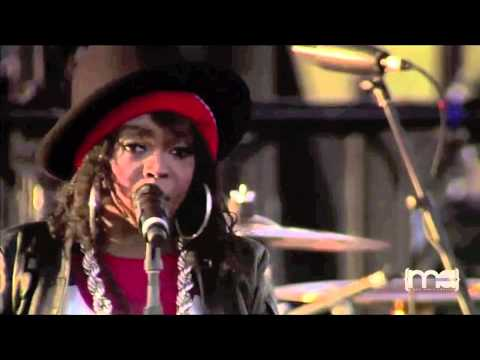 Everything Is Everything/The Sweetest Thing - Lauryn Hill @ Coachella 2011