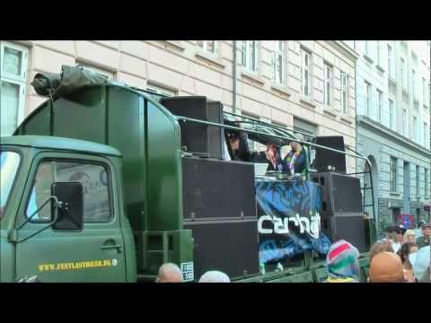 Festlastbil.dk - En festlastbil som scenevogn på Distortion Festival