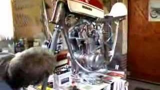 1er démarrage d'un moteur honda 350 CB